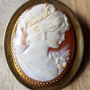 Vintage Genuine Shell Cameo Pin Pendant Gold Plate